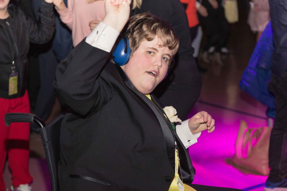 InBetweenDreamsWedding_NightToShine2018_HorizonChurch (328 of 514).jpg