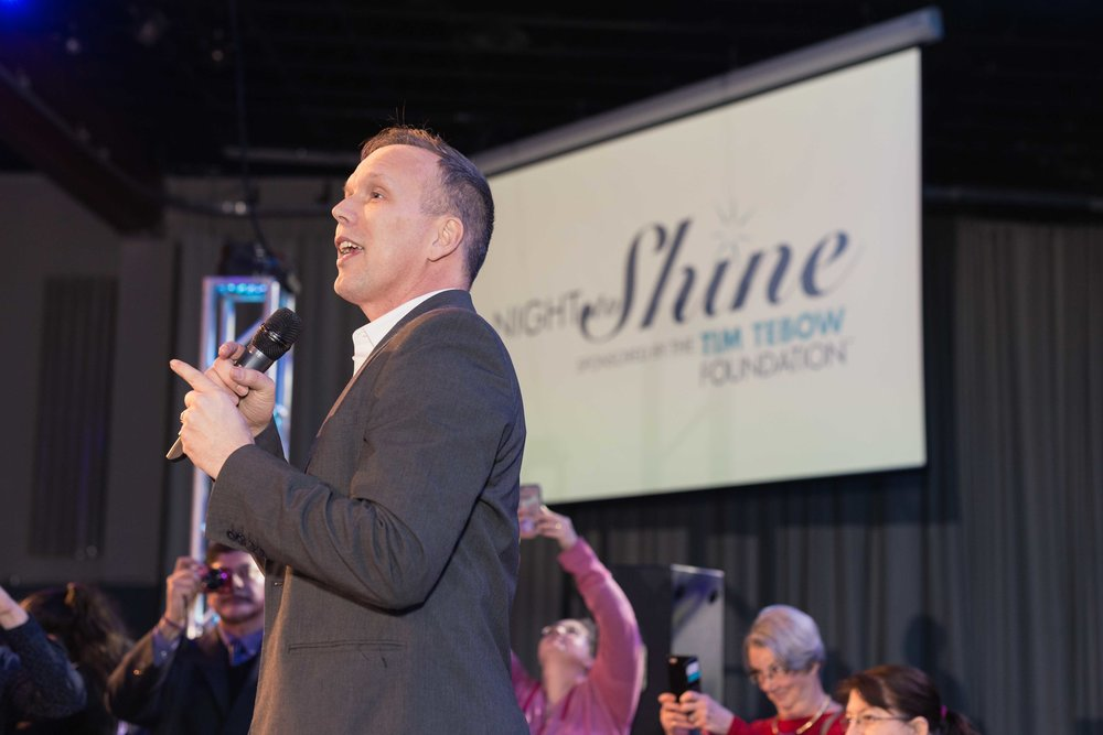 InBetweenDreamsWedding_NightToShine2018_HorizonChurch (368 of 514).jpg