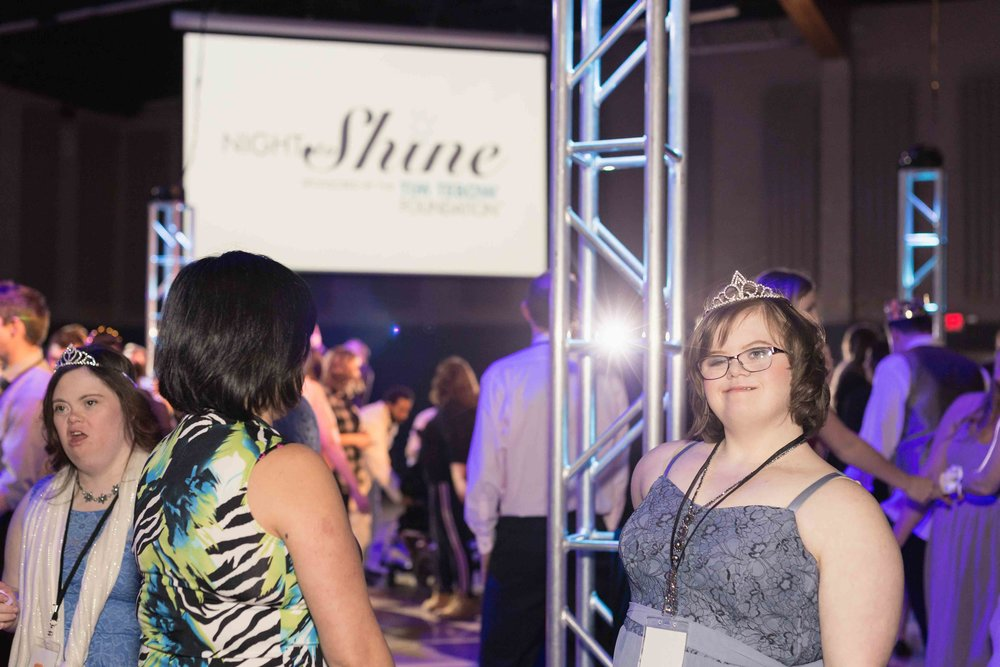 InBetweenDreamsWedding_NightToShine2018_HorizonChurch (397 of 514).jpg