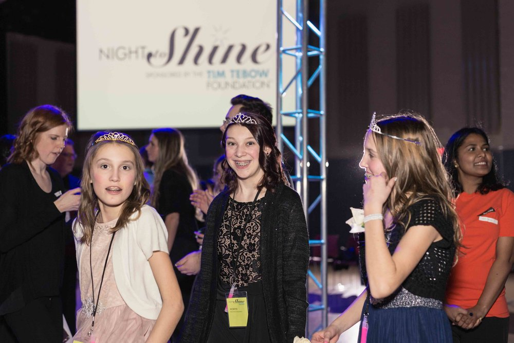 InBetweenDreamsWedding_NightToShine2018_HorizonChurch (399 of 514).jpg