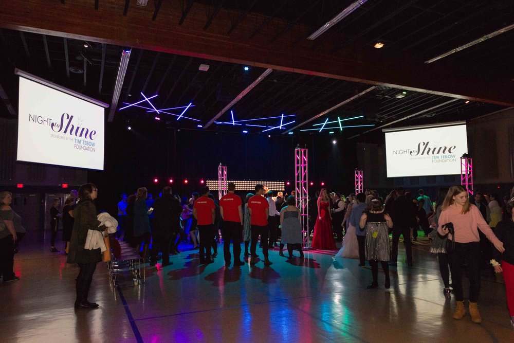 InBetweenDreamsWedding_NightToShine2018_HorizonChurch (412 of 514).jpg