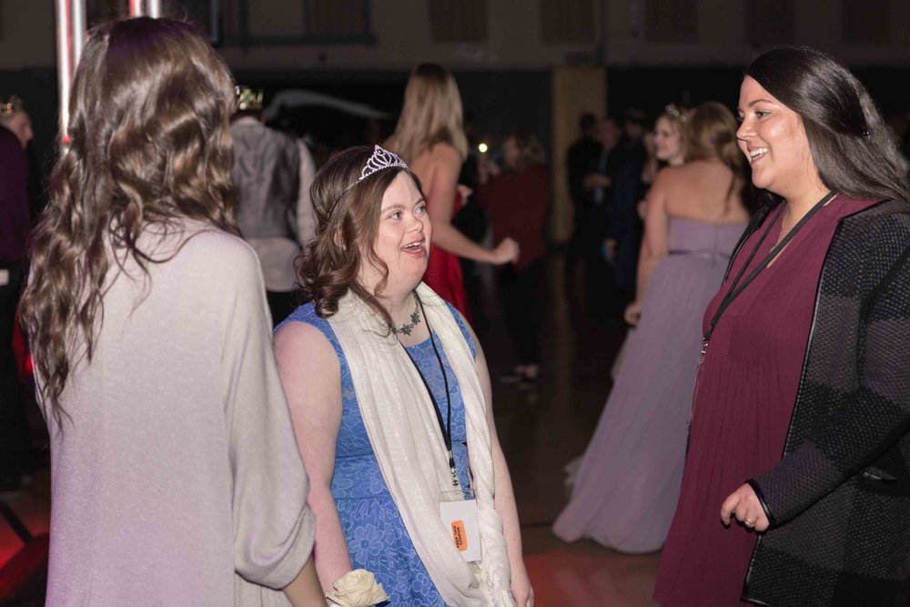 InBetweenDreamsWedding_NightToShine2018_HorizonChurch (425 of 514).jpg