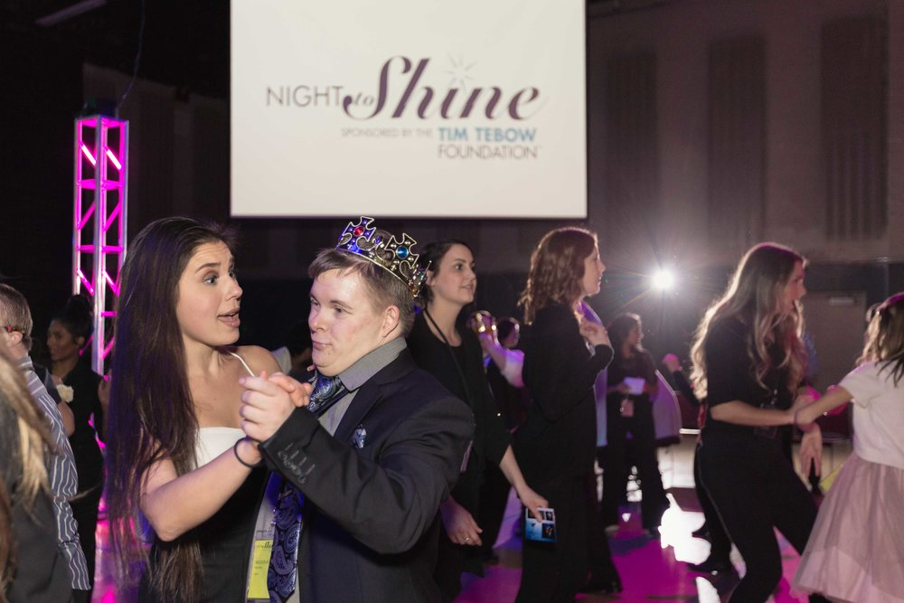InBetweenDreamsWedding_NightToShine2018_HorizonChurch (444 of 514).jpg