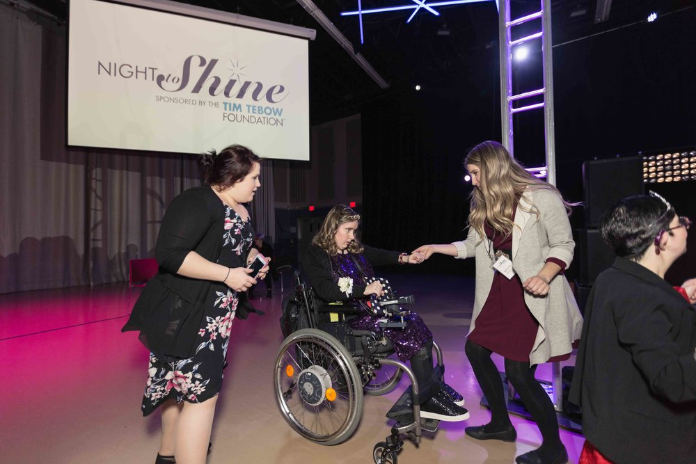 InBetweenDreamsWedding_NightToShine2018_HorizonChurch (462 of 514).jpg