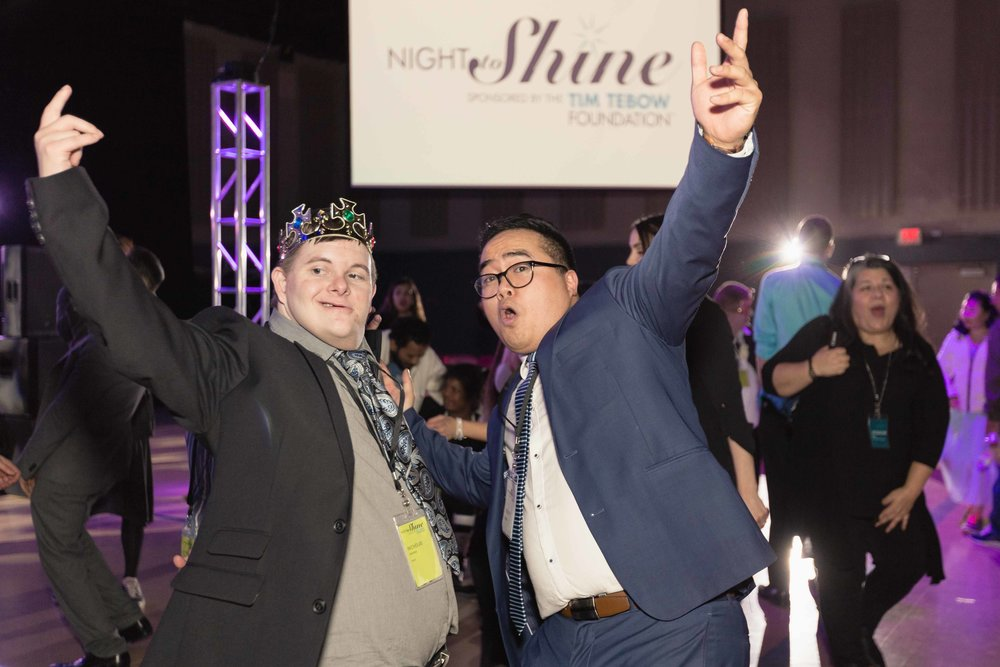 InBetweenDreamsWedding_NightToShine2018_HorizonChurch (466 of 514).jpg