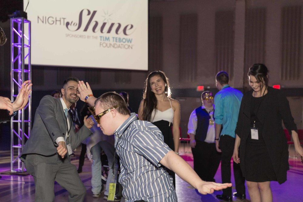 InBetweenDreamsWedding_NightToShine2018_HorizonChurch (469 of 514).jpg