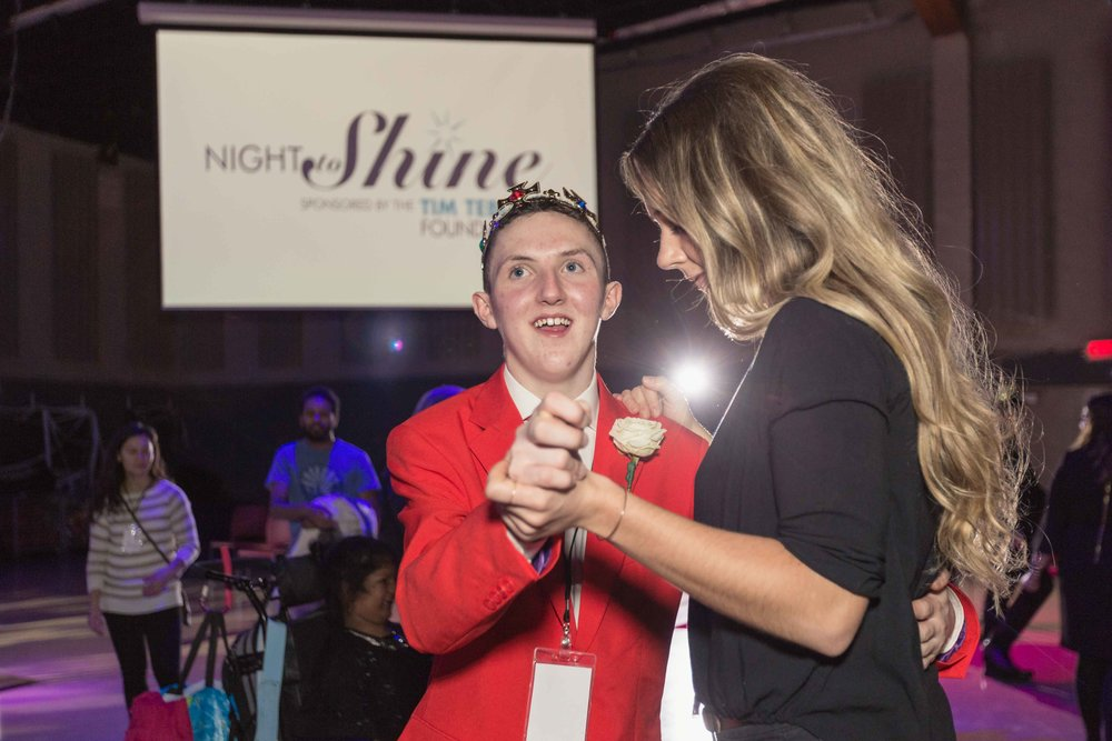 InBetweenDreamsWedding_NightToShine2018_HorizonChurch (471 of 514).jpg