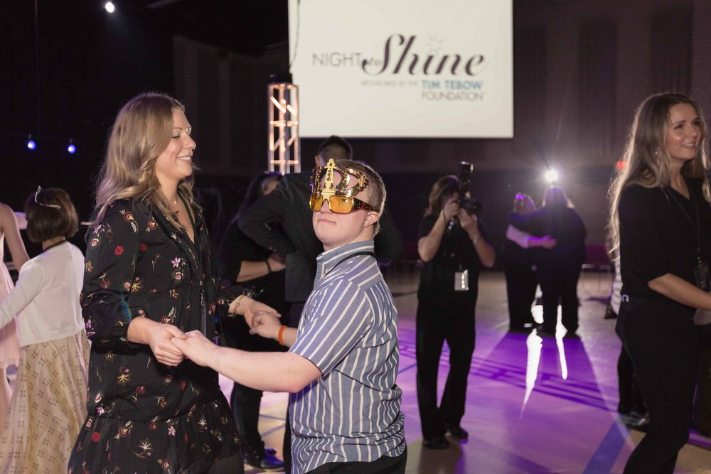 InBetweenDreamsWedding_NightToShine2018_HorizonChurch (479 of 514).jpg