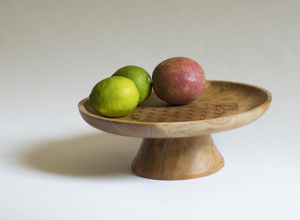 Plat sur pied +fruits.jpg