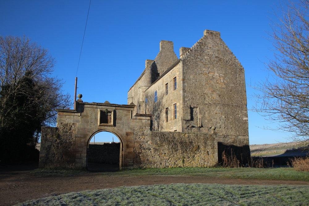 Midhope Castle, Lallybroch.
