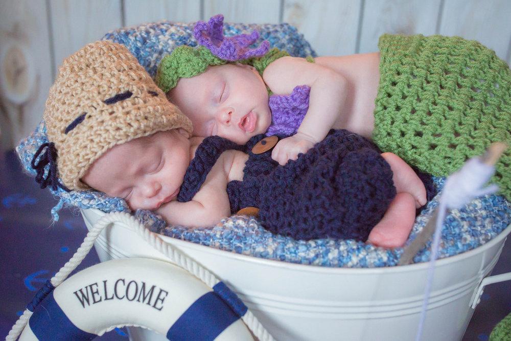 twin newborns.jpg