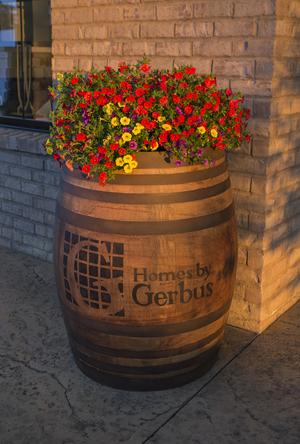15 IMG_3925[2] Barrol & Flowers.jpg