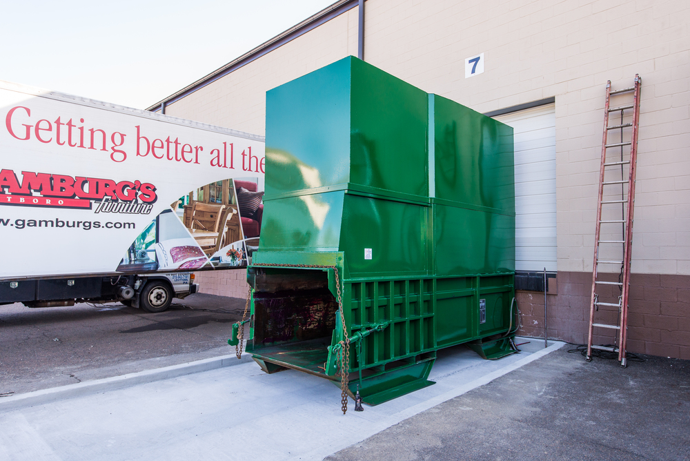 Marathon stationary waste compactor with hopper enclosure