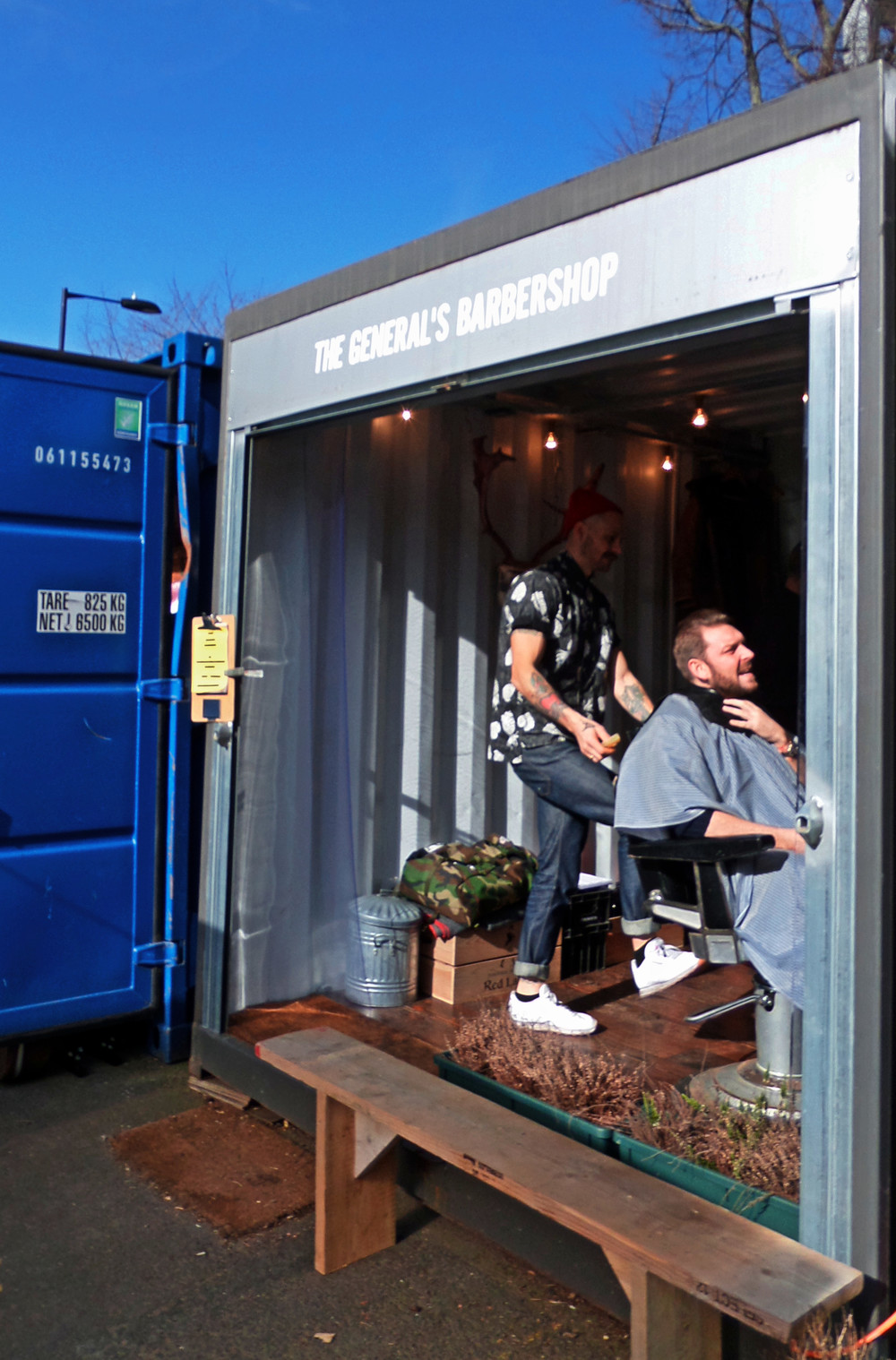 A pop-up barber shop in a container, why not?