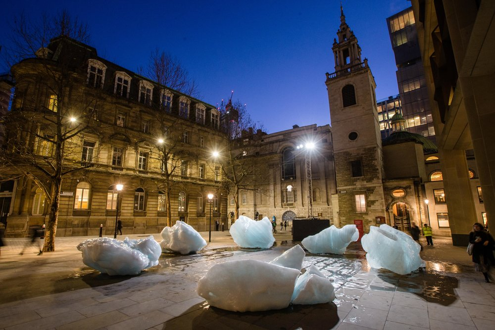 Ice Watch by Olafur Eliasson and Minik Rosing, Supported by Bloomberg Installation: City of London, outside Bloomberg's European headquarters, 2018 / Photo: Charlie Forgham-Bailey / © 2018 Olafur Eliasson