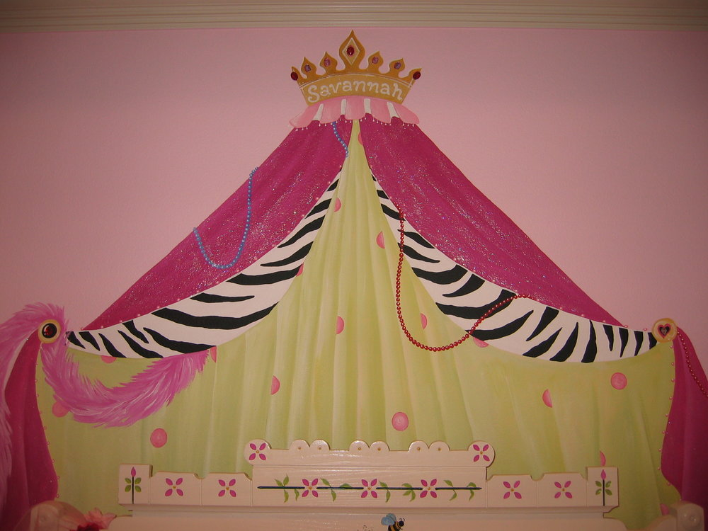 20040702.09.mural.savannah.princess.curtain.JPG