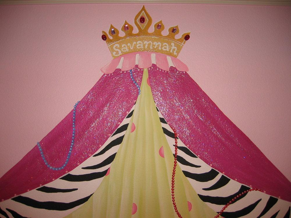 20040702.10.mural.savannah.princess.curtain.close-up.JPG