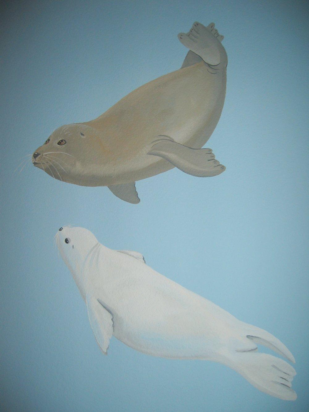 20040525.11.mural.seals.jpg