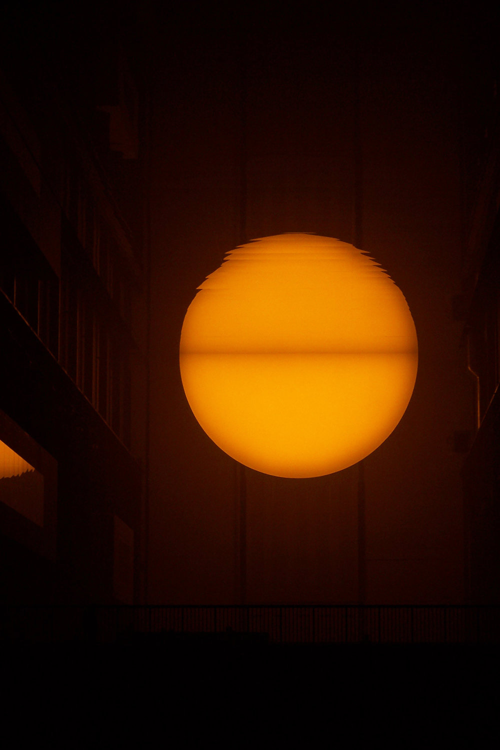 2004_01-08_Olafur-Eliasson_The-Weather-Project-[Tate-Modern]_6_Photograph_James-Bulley.jpg
