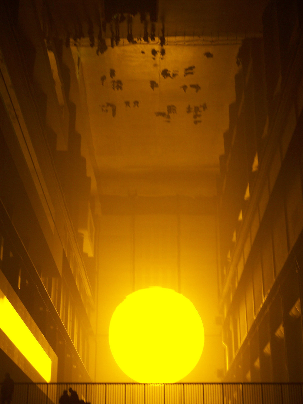 2004_01-08_Olafur-Eliasson_The-Weather-Project-[Tate-Modern]_12_Photograph_James-Bulley.jpg