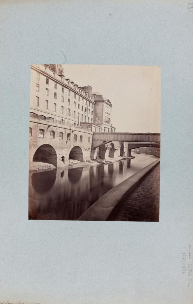 Pierre Emonts, Ancien Hôtel-Dieu, entre 1862 et 1905 Source : Collections Paris Musées