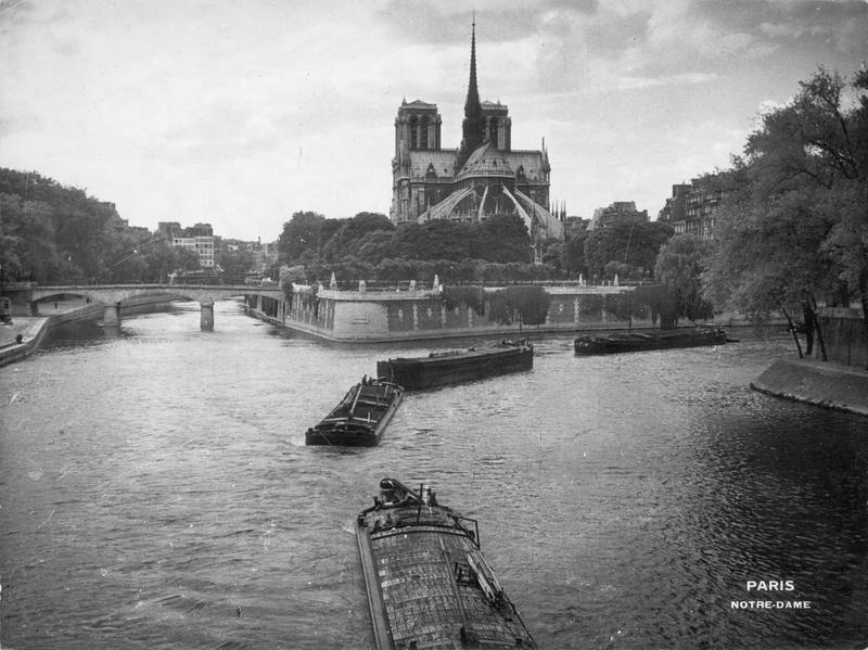 Le Boyer Noël (1883-1967) Vue de la cathédrale Notre-Dame de Paris, du pont de l'archevêché, 1940 Crédits : Ministère de la Culture - Médiathèque du Patrimoine, Dist. RMN-Grand Palais Source: Lien