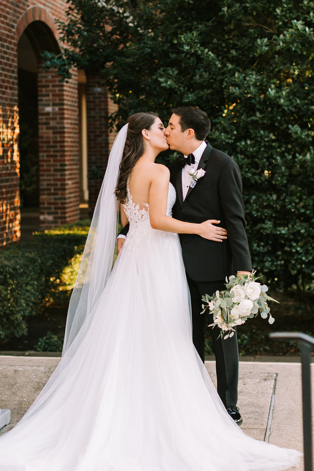 FULL SERVICE PLANNING - Perfect for the bride who wants someone who can completely materialize her wedding from start to finish, and everything in between. With full-service planning, you need not worry about a single detail. We plan, design, and coordinate an event that fits your every desire.
