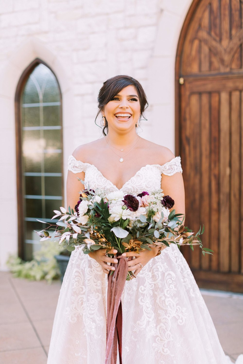 PARTIAL SERVICE PLANNING - Perfect for the hands-on bride who needs someone to assist in pulling the vision together, advise along the way, and take the stress of wedding planning away. Feel empowered to take the lead with KWWE guidance, support, and assistance every step of the way.