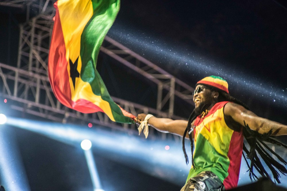 'Repping' Ghanaian dancehall during the Samini performance