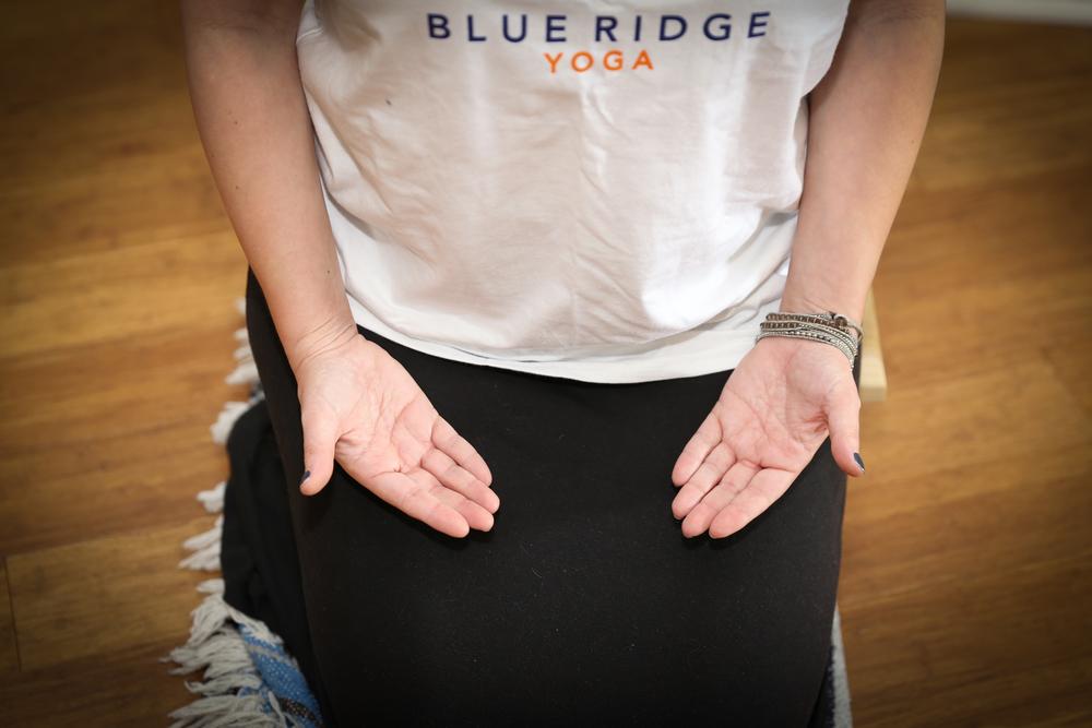 yoga-back-pain-knoxville-farragut