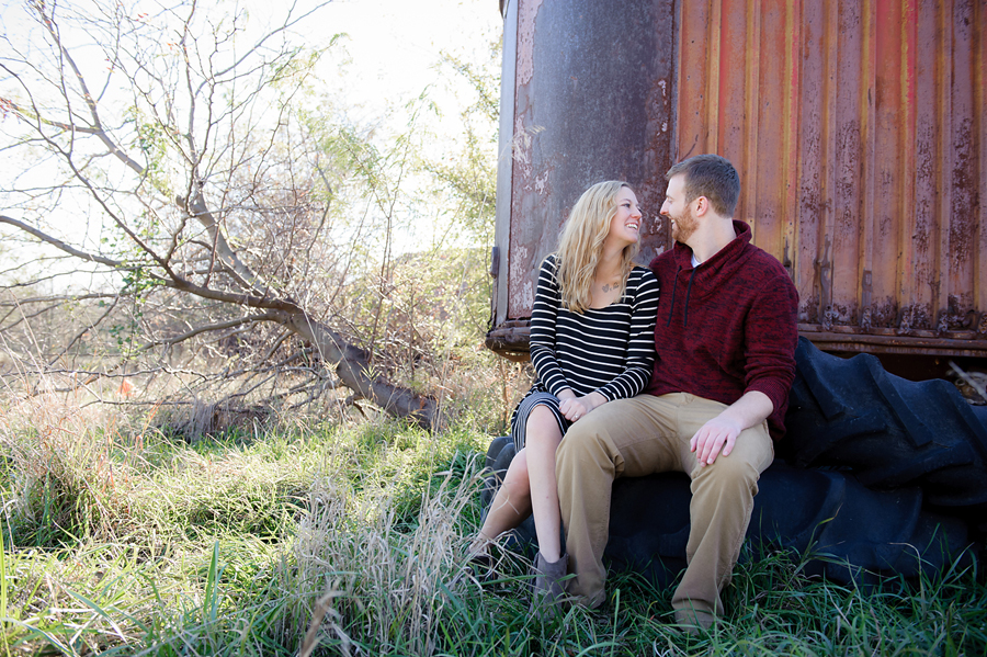 23-Kansas City Engagement Photographer.jpg