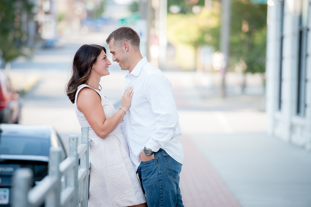 10-Kansas City Engagement Photographer.jpg