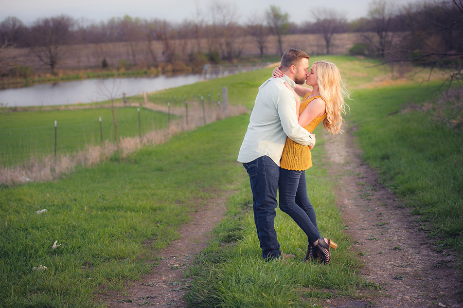 60-Kansas City Engagement Photographer.jpg