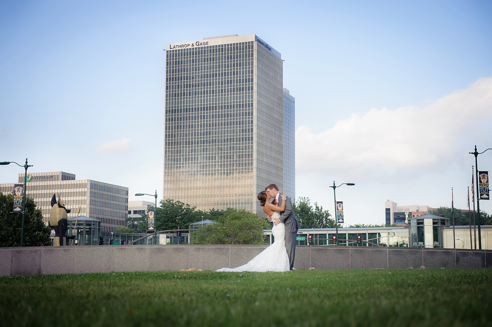 160-Kansas City Wedding Photographer.jpg