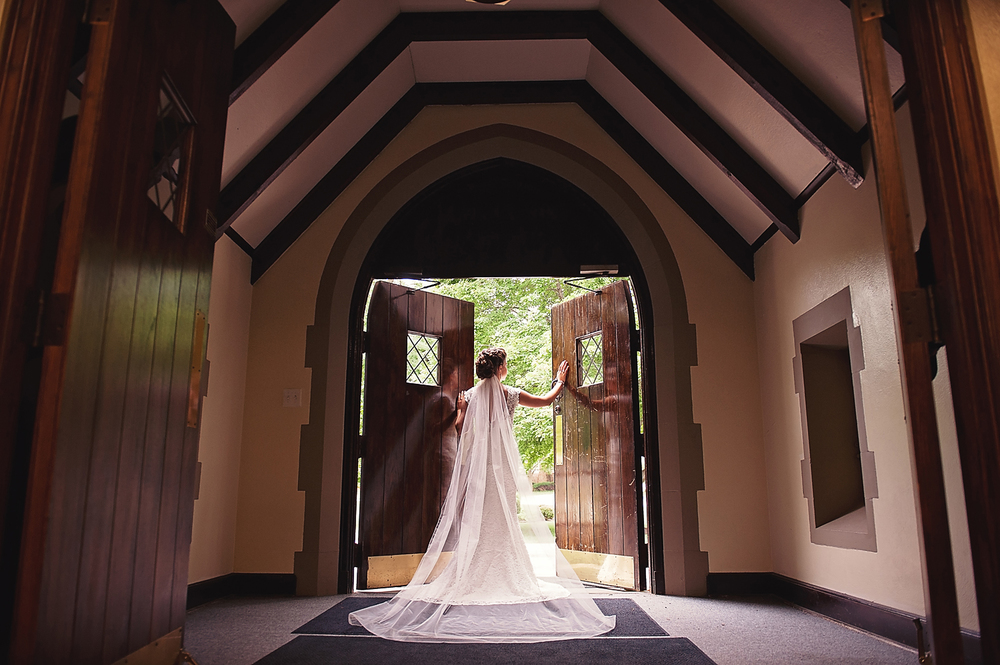 Cathedral veil bridal pictures