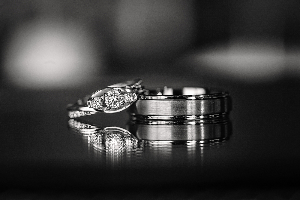 Wedding ring detail pictures
