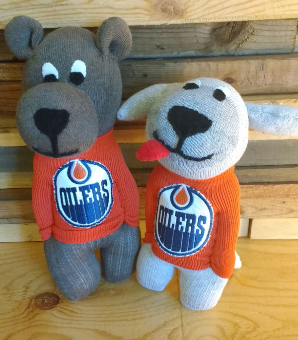 Bear & Dog (Oilers' fans)