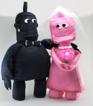Groom & Bride Robot