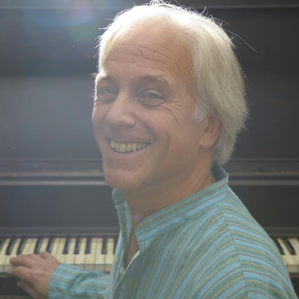 Piano Smile Light (1).jpg