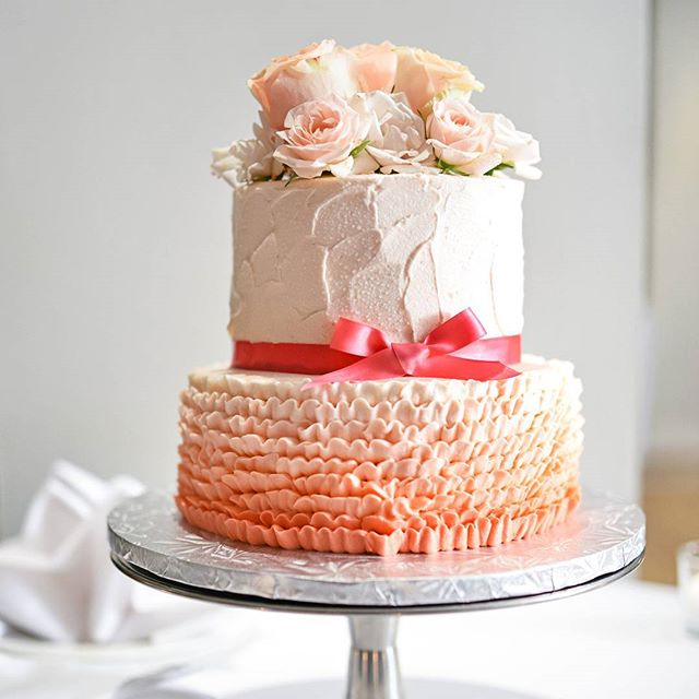 Q's cakes-custom-cake-wedding-cake-waterloo-ombre-ruffles
