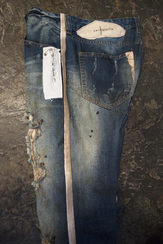 jeans-detail1.jpg