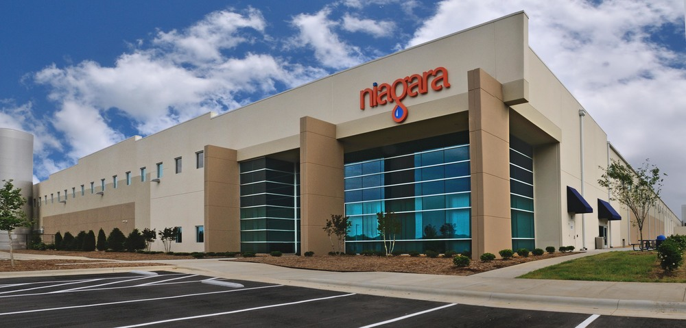 Niagara Bottling Company   9 projects throughout the US and Mexico ranging 210,000 - 590,000 SF