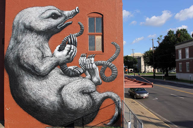 Artist: Roa - Location: 505 Rogers Avenue Fort Smith, Arkansas (Photo credit: Rom Levy)