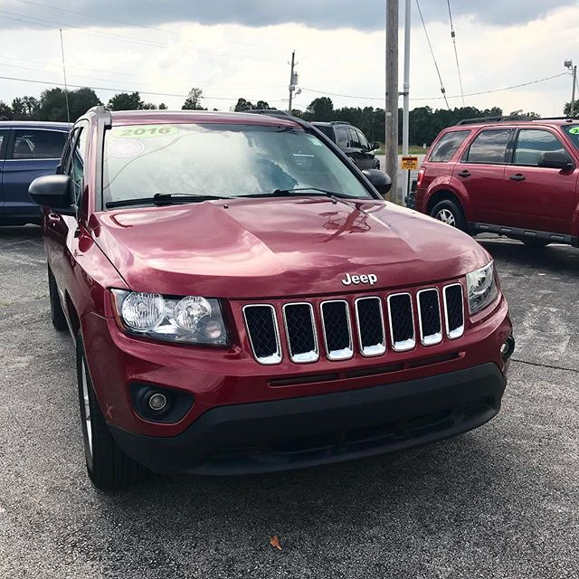 2016 Jeep Compass for sale. Call 479-303-7284 or visit www.rathauto.com