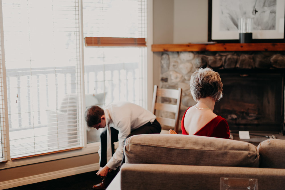Calgary Wedding Photographer | Emerald Lake Lodge