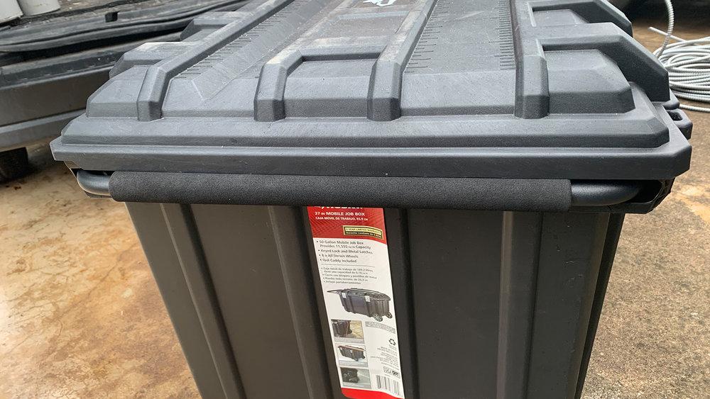 Husky 37-inch-Rolling-Portable-Job Box-handle