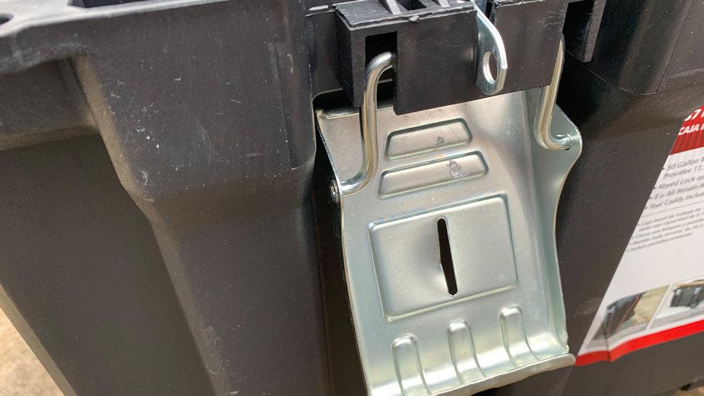 Husky 37-inch-Rolling-Portable-Job-Box-clasp