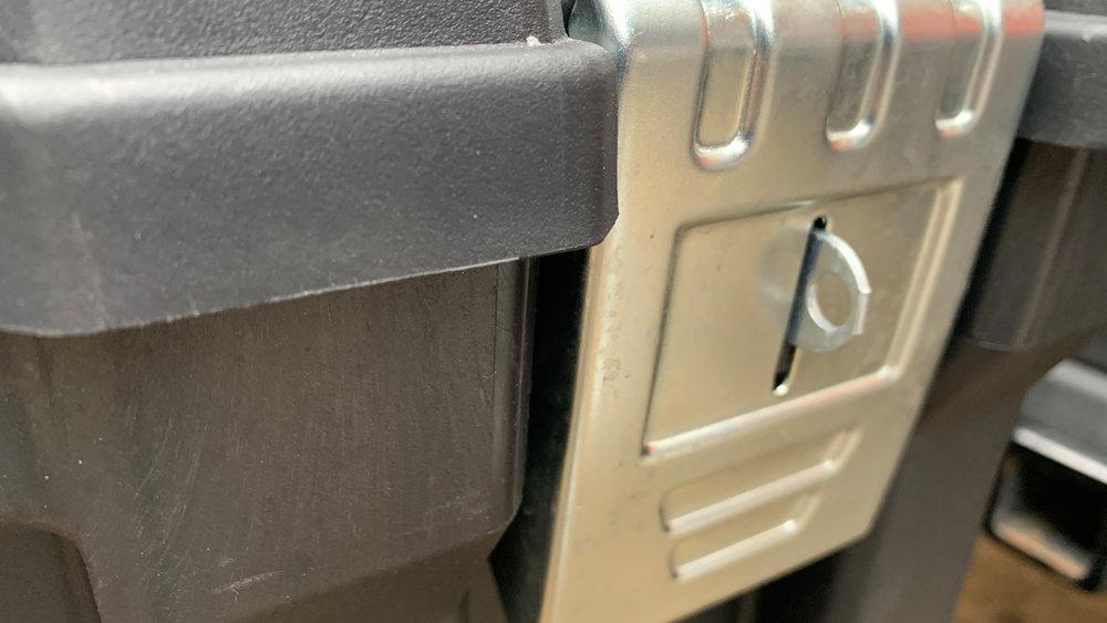 husky 37-inch-Rolling-Portable-Job-box-clasp-shut