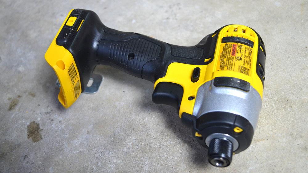 DeWalt-3-Tool-20v-MAX-Cordless-Combo-Kit-standard-impact-driver