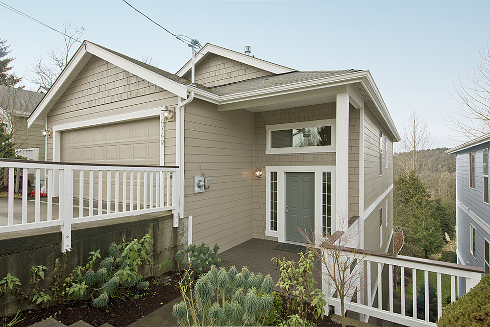4749 22nd Ave SW,Seattle, 98106  2,980 SQ FT – 5 Bed/2.5 Bath